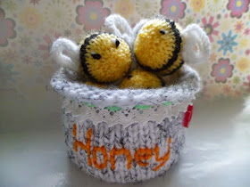 KNITTED BEES AND HONEY POT