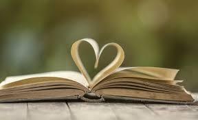 Κερατσίνι: 60 βαλίτσες με βιβλία για μαθητές δημοτικού και νηπιαγωγείου
