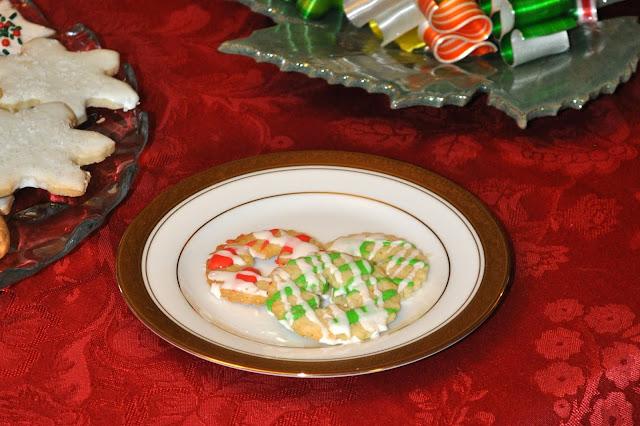 Cardamom Almond Cookies