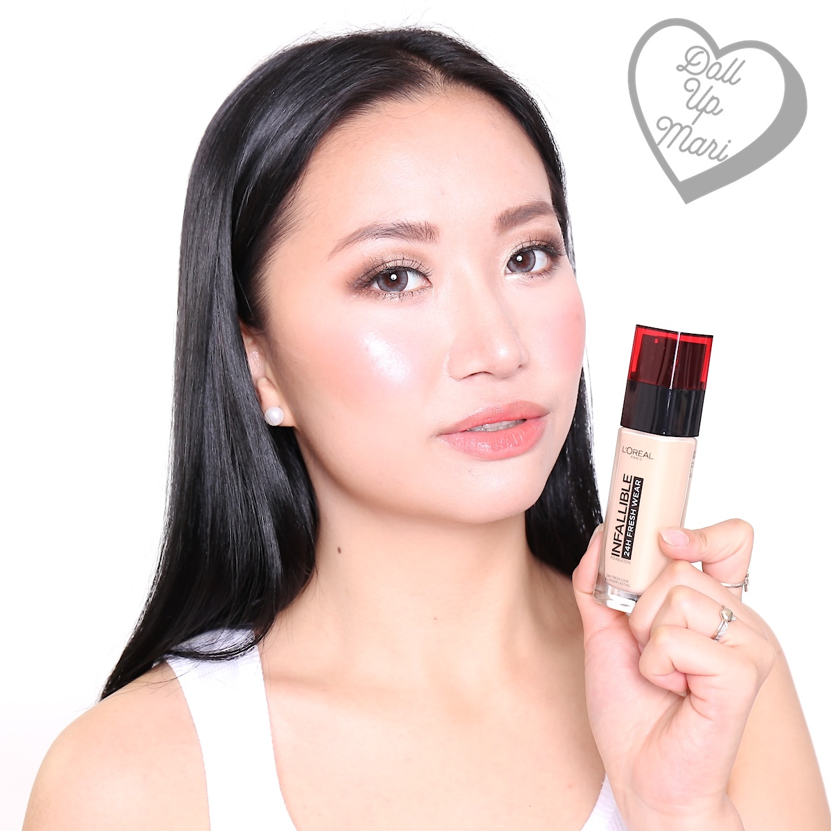 Wearing L'Oréal Paris Infallible 24HR Fresh Wear Liquid Foundation SPF25PA+++ in shade Ivory