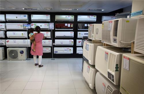 Electronic Store in Noida