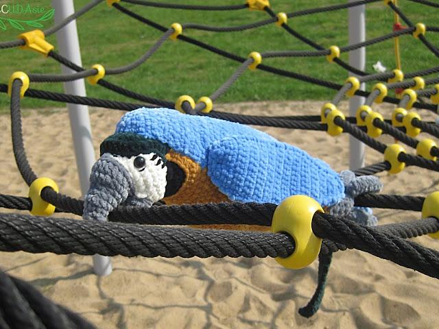 Papuga na szydełku - Czytaj więcej »