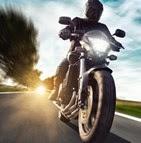 Pourquoi comparer les assurances moto en ligne ?  Marre de payer votre assurance moto trop cher ? Remplissez notre formulaire rapide et gratuit et trouvez le contrat d'assurance deux-roues adapté à votre budget. En comparant les assureurs du marché, On vous aide à économiser jusqu'à 145€ par an, tout en roulant bien protégé !