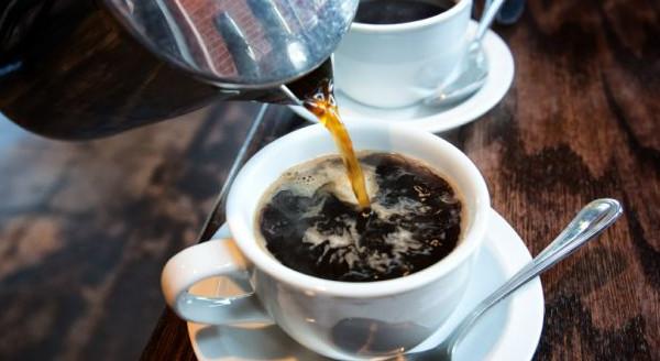 Trị nám tàn nhang với nước cà phê
