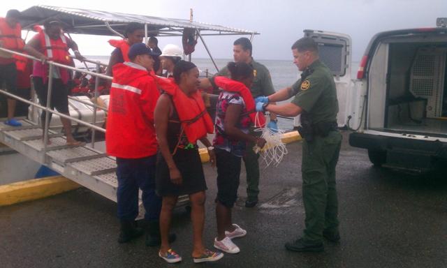 Repatrían a RD 18 ilegales desde Puerto Rico