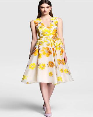 vestido corto amarillo con estampado floral elegante