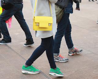 bolsas, bolsos, papel, moda, reciclar, conjuntar bolsos con zapatos