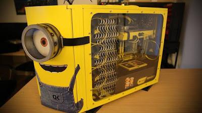Computador con forma de Minion