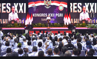 Jokowi: Teknologi tak Bisa Gantikan Peran Guru, Guru Ikut Membentuk Karakter Generasi Muda & Karakter Bangsa