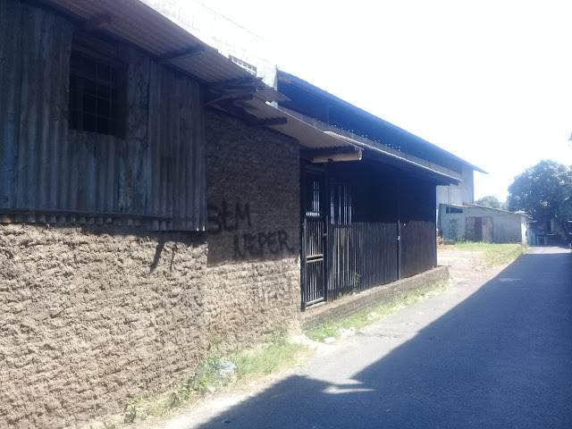 Tanah dan Bangunan Tampak Samping