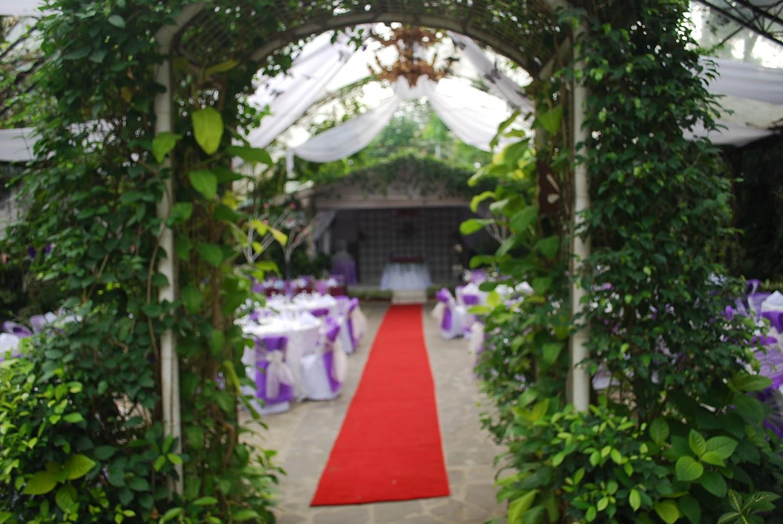 gardens venue entrance bridal