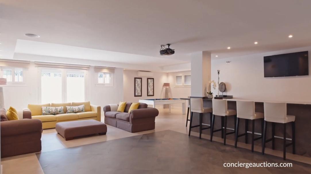 23 Interior Design Photos vs. Villa La Cerquilla Marbella, Spain Tour
