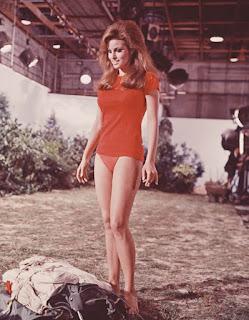 Raquel Welch sexy Fathom 1967