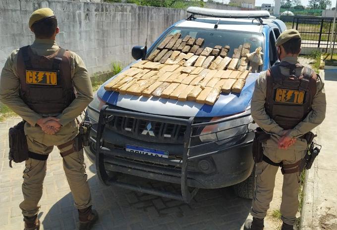 Serrinha: Policiais da CETO encontram droga às margens de rodovia após denúncia anônima