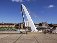 Gateshead Millennium Bridge, Blinking Eye Bridge,Northumbrian Images Blogspot,Newcastle Quayside, Photos Gateshead Bridge,North East, England,Photos,Photographs