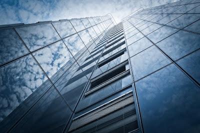 vetro strutturale-grattacielo-curtain wall-involucro edilizio