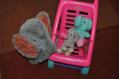 elefanti de plus