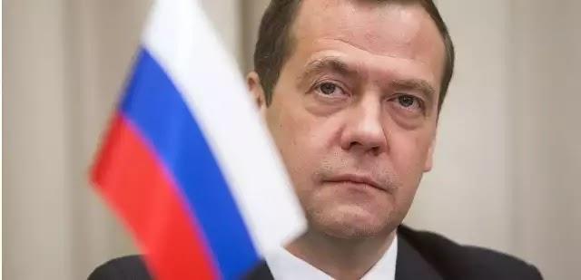 Μεντβέντεφ: Βρεθήκαμε ένα βήμα πριν την πολεμική σύρραξη με τις ΗΠΑ