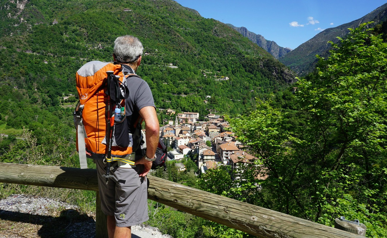 Saint-Sauveur sur Tinée seen from trail to Rimplas