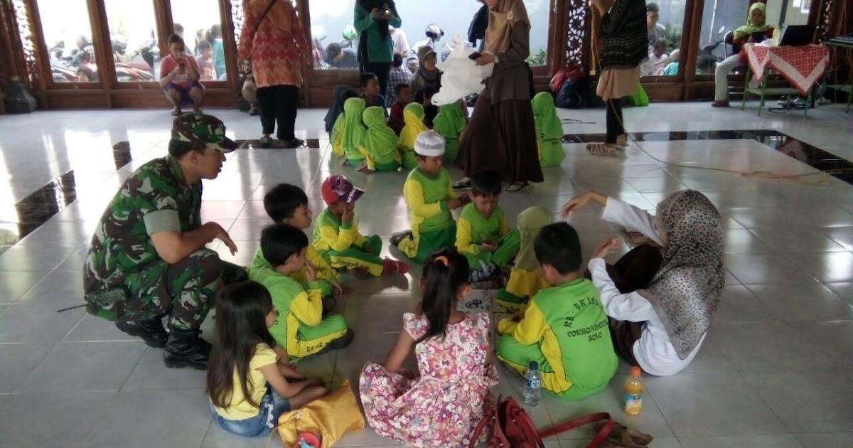 Kodim 0735 /Surakarta: Pembinaan TK Paud Oleh Babinsa