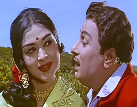 Anbe Vaa – Naan Paarthathilae Song