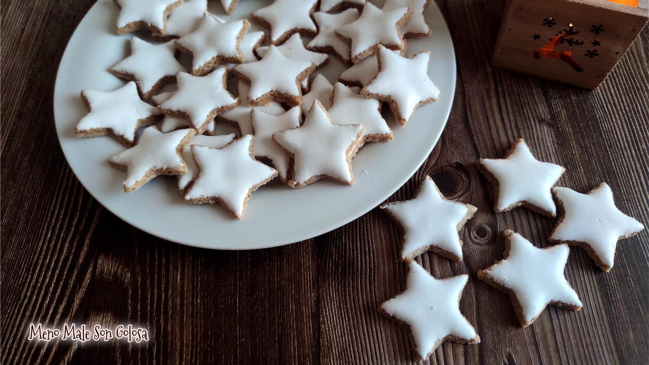 Biscotti Di Natale Zimtsterne.Meno Male Son Golosa Zimtsterne Come Fare I Biscotti Di Natale Dell Alto Adige Alla Cannella Glassa Cotta