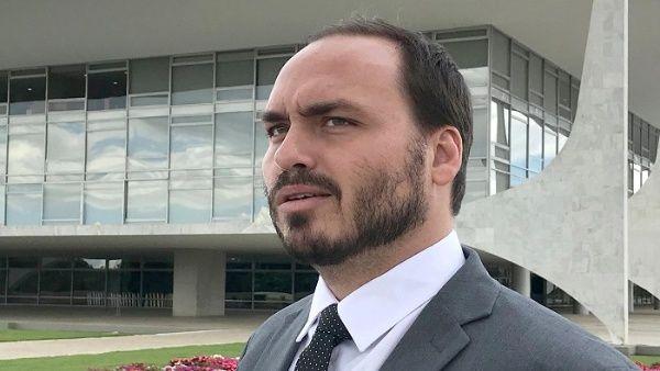 Investigan en Brasil al hijo de Bolsonaro por noticias falsas