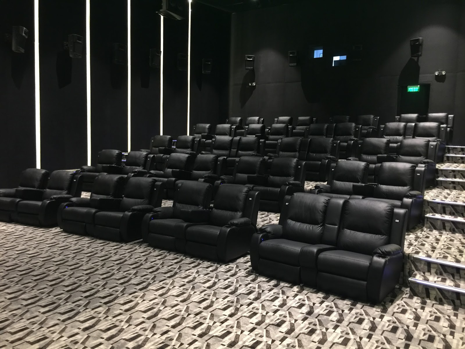 part cinemas it with theater rebranding during opens theaters plans movie and pi new mall las at is underwent expansion lovers second recliner its this vista quarter upgrade as upscale the img luxury chair lakwatsera of