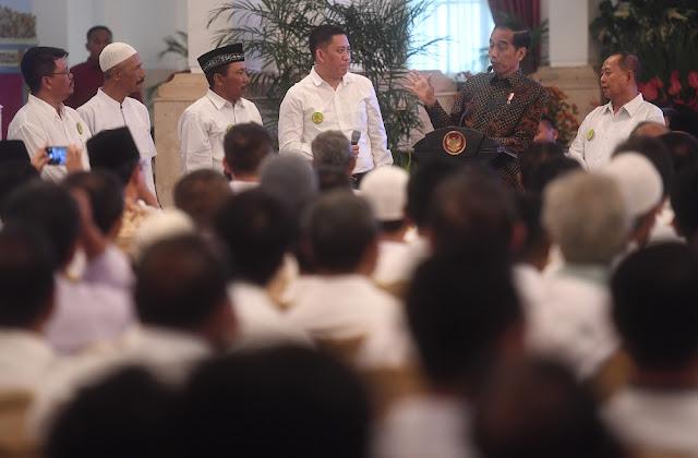 Petani Tebu Minta Naikkan Harga Gula, Jokowi: Beri Saya Waktu Seminggu