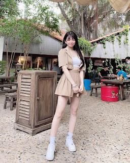 Gu ăn mặc khoe eo thon của DJ Mie và Trang Moon