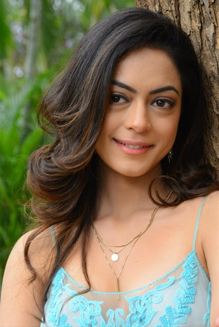 Anaya Singh Photos