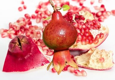 what is the importance and uses of pomegranate-31 Benefits