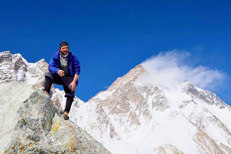 Buscan a montañista chileno extraviado en el K2