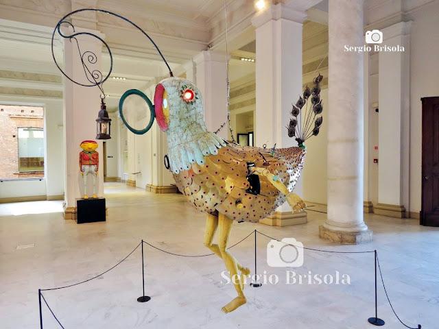 Escultura Pássaro - OsGemeos