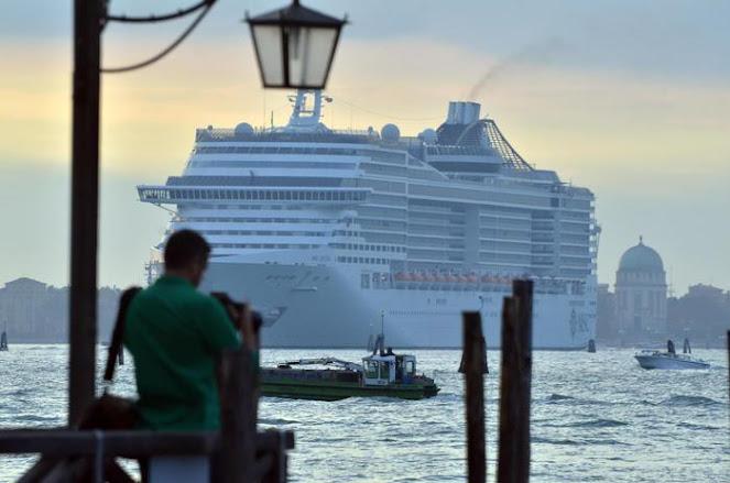 Venezia: dal primo agosto, stop alle grandi navi a San Marco