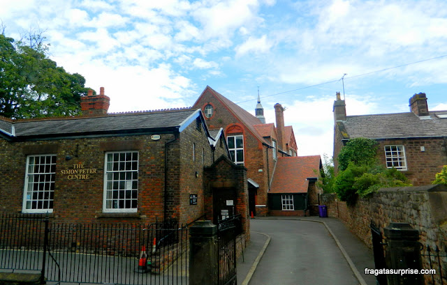 Paróquia de St Peter, Woolton, onde Lennon e McCartney se conheceram
