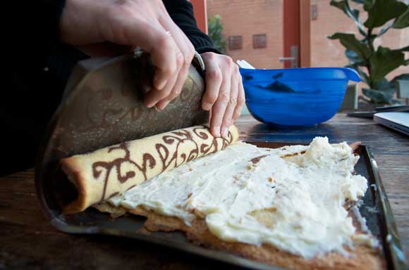 De gedecoreerde Zwitserse cakerol