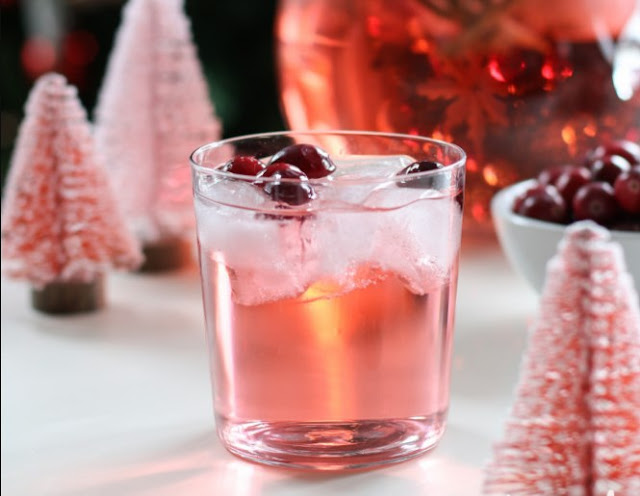 Jingle Juice Holiday Punch #drinks #punch