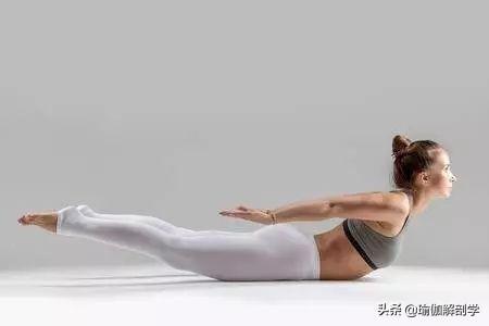 含胸駝背,怎麼辦?這8 個瑜伽體式要經常練!(打開胸腔)