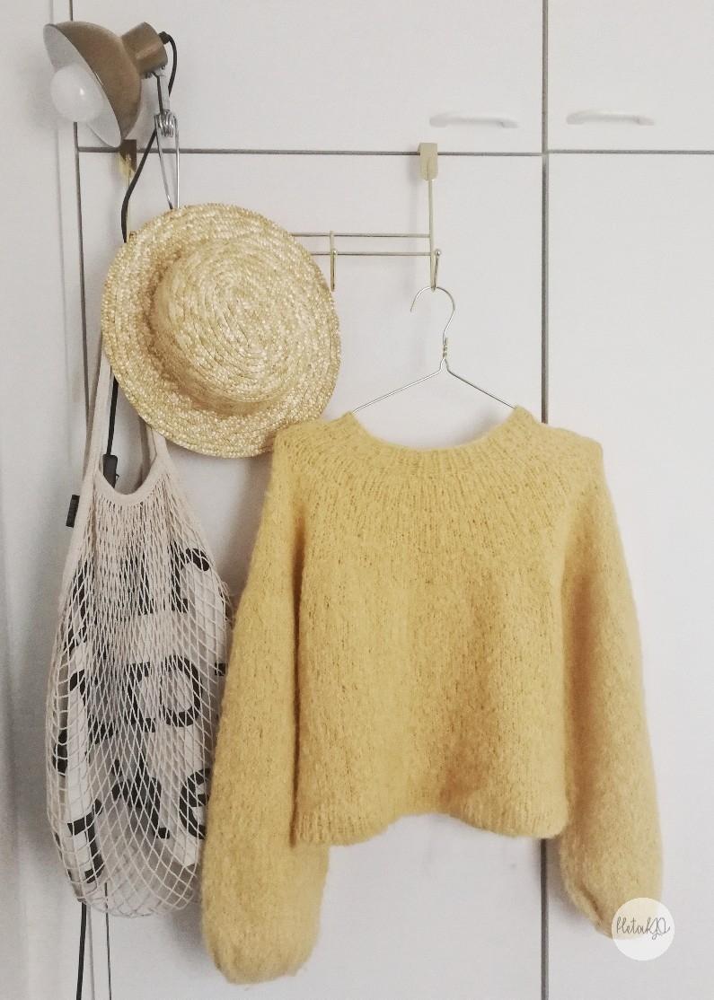 Novice sweater