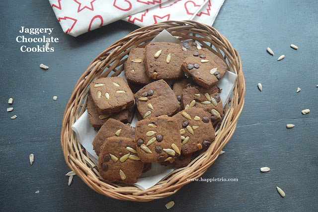 Whole Wheat Jaggery Chocolate Cookies | Jaggery Chocolate Cookies