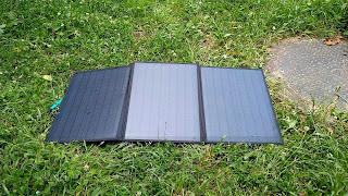 ソーラーパネル 充電中写真