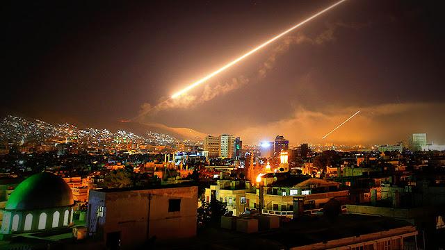 """""""Misión cumplida"""", declaró el presidente Donald Trump sobre el ataque militar en Siria"""