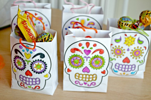 Day of the Dead Colour-in Mini Gift Bags from baker ross