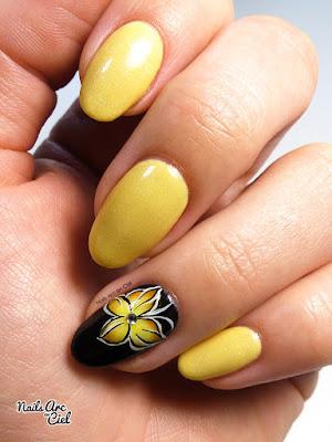 Nail Art - Mi Papillon mi fleur Russe en One stroke par Nails Arc en Ciel