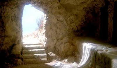Doutrina da Ressurreição. 15:1-58. de 1 Coríntios .   Em geral os gregos da época criam na imortalidade da alma, mas não aceitavam a ressurreição do corpo humano. Como muitos de nós também.  Para eles a ressurreição do corpo era coisa inimaginável devido ao fato de que consideravam o corpo como a fonte da fraqueza e pecado humanos.