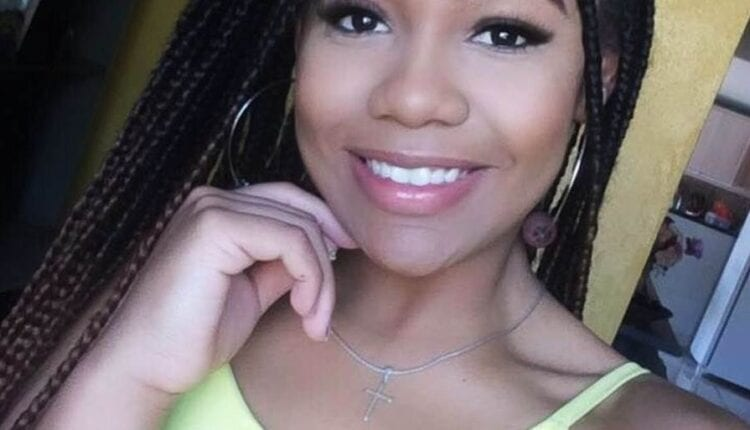 INFELICIDADE: Jovem morre afogada após chamar amiga para tirar 'selfie' em cachoeira