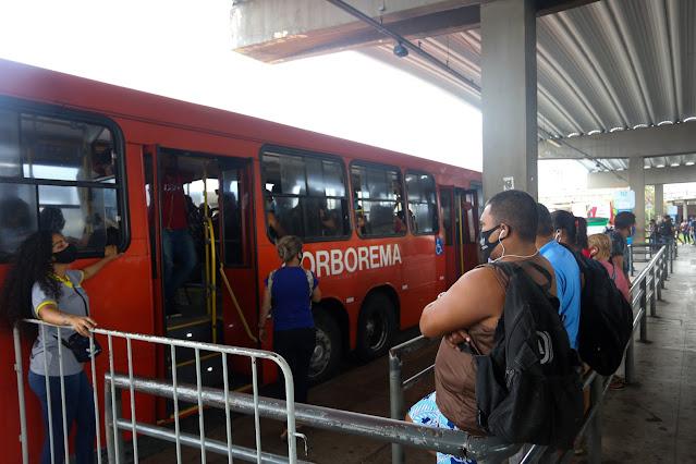 Governador sanciona lei que garante acesso gratuito ao transporte público para quem perdeu emprego na pandemia