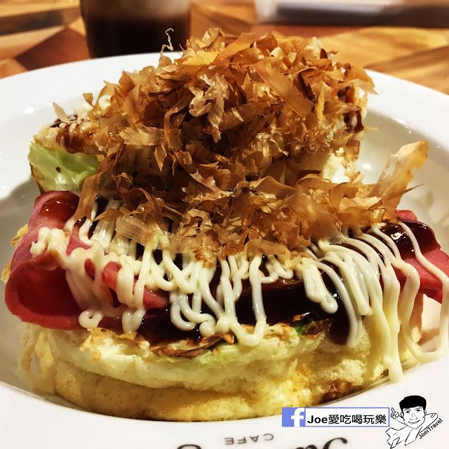 IMG 0312 - 【台中甜點】jamling Cafe 台中 - 來自東京鬆鬆軟軟入口即化的鬆餅 貓王鬆餅 吃起來有花生的甜 培根的鹹 ~一整個超級特別!!