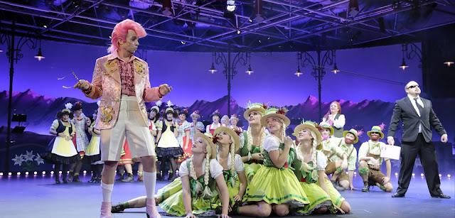 Oper Koeln - Ralph Benatsky, Robert Stolz: The White Horse Inn (Im weißen Rössl) (Photo Paul Leclaire)